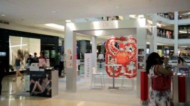 Jimmy Choo outlet in Kuala Lumpur — Stock Video