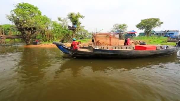 Floating village view — Vídeo de stock