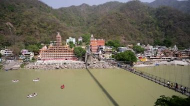 View of Rishikesh and Ganges — Stock Video