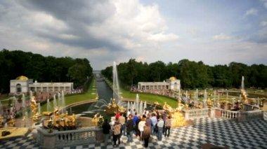 Grand Cascade fountain at Peterhof — Stock Video