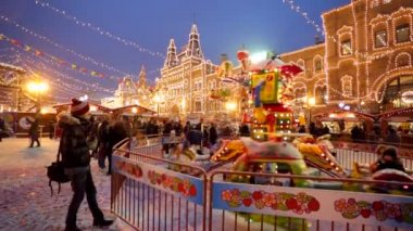 Christmas fair on the Red Square — Stock Video