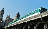 Urban Life-Paris Metro — Stock Photo