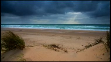 Sea, Sand and Dunes-People playing and walking on the beach-Time-Lapse — Stock Video