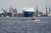 The harbor of Hamburg — Stock Photo
