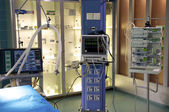 Monitoring station in the hospital for the treatment of patients — Stock Photo