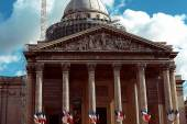 Les Invalides cathedral dome — Stock Photo