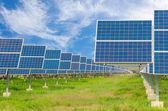 Power plant using renewable solar energy with blue sky — Foto de Stock