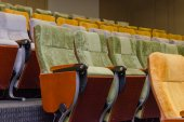 Empty chairs in theatre or conference hall — Stock fotografie