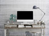 Tablo, beton arka yüzündeki Lcd ekran yukarı alay — Stok fotoğraf