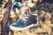 Men's shoes in the air — ストック写真