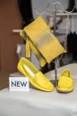 Yellow bag and women's moccasins, a new collection — Stock Photo