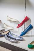 Female ballet flats are on the shelf, the new collection — Stock Photo