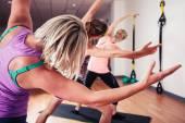 Women stretching in the gym — Foto de Stock