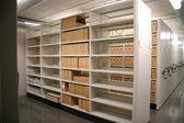 Espacio de archivo grande con armarios — Foto de Stock