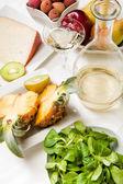 Fruta, queso y vino — Foto de Stock