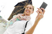 Tourist taking selfie — Stock Photo