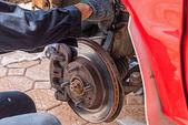 Replacing brakes. — Foto Stock
