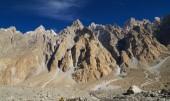 Beautiful mountains near Pasu in Northern   Pakistan — Stock Photo