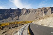 Road to Pasu in Northern  Pakistan — Stock Photo