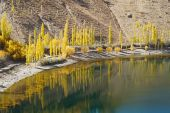 Phander Lake, Ghizer , Northern Pakistan — Stock Photo