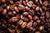 Жареные кофейные зерна — Стоковое фото