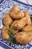 Raw potatoes — Stock Photo