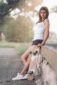 Beautiful skater girl — Stock Photo