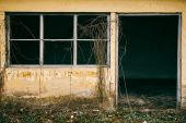Derelict old building — Stock Photo