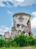 Ruins of old medieval tower — Stock Photo
