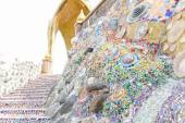 The colorful broken tile, bowl and stone decorating on temple wa — Stock Photo