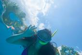 Girl under water — Stock Photo