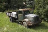 Terkedilmiş kamyon — Stok fotoğraf