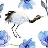 Żuraw ptak i niebieski kwiaty. — Zdjęcie stockowe