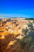 Line of Long Sandstone Cliffs of Bryce Canyon National Park in t — Stock Photo