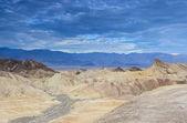 死の谷 N のザブリスキー ポイントのユニークな山の形成 — ストック写真