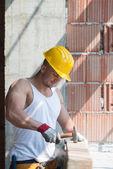 Construction Man Hitting Wood With Hammer — Foto de Stock