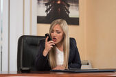 Angry Woman In Formal Wear Shouting At Phone — Stock Photo
