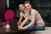 Happy Students In Cafe With Laptop — Stock Photo