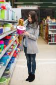Woman Shopping For Bowl In Produce Department — Stock Photo