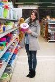 在超市购物的女人 — 图库照片