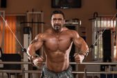 Bodybuilder Exercising Chest — Stock Photo