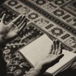 Arabic Muslim Man Reading Holy Islamic Book Koran — Stock Photo #67300377