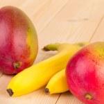 ������, ������: Mango and bananas