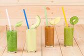 Naturalne soki owocowe — Zdjęcie stockowe