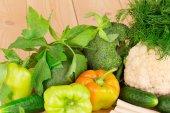 Gemüse auf tisch — Stockfoto