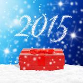 雪の上の赤いギフト ボックス — ストック写真