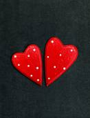 A pair of hearts on a chalk board — Stockfoto