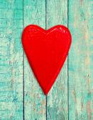 Wooden heart on vintage background — Stockfoto