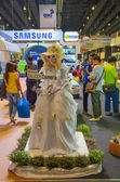 Samsung girl mascot to promote Samsung Galaxy camera in Thailand — Stock Photo