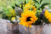 Wild flowers table setting — Stock Photo